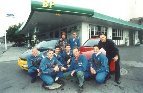 Team von 1997 vor der Aegeritalgarage
